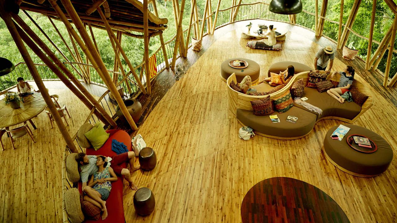 spy camera airbnb